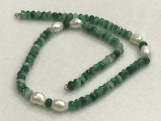 Necklace-  Emerald - Pearl - 18 kt Gold - Length: 50.50 cm