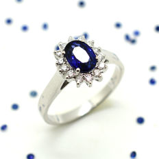 18 kt gold ring with sapphire and brilliant cut diamonds, totalling 1.21 ct – No reserve Price