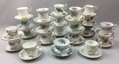44-delig Exclusive Engelse kop en schotel's - o.a. Royal Albert - Richmond - London collection.