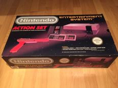 """NES """"Action Set"""" Boxed and Fully Complete, Comes with 2 Original Controllers, Original Light Gun, Mario/Duckhunt with manual."""