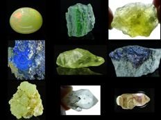 "Lot with Welo Opal, Hollandite ""Stars"", Citrine, Green Amethyst, Prehnite, Azurite, Quartz, Diopside, Coveline - 1,0 to 6,5 cm - 417gm (9)"