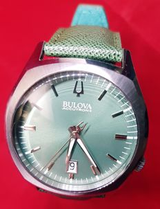 Bulova accutron II analog quartz gent wristwatch
