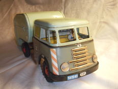 Arnold, Western Germany - Length 36 cm - Tin DAF garbage truck with friction motor, 1950s
