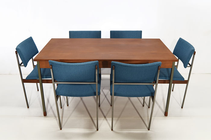 Manufacturer Unknown Mid Century Modern Table With 6 Chairs