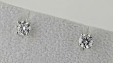 1.00ct VS2 round diamond stud earrings 14 kt white gold