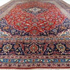 Kashan - 408 x 300 cm - ´Oversized Persian rug - Eye-catcher in mint condition´ - With certificate