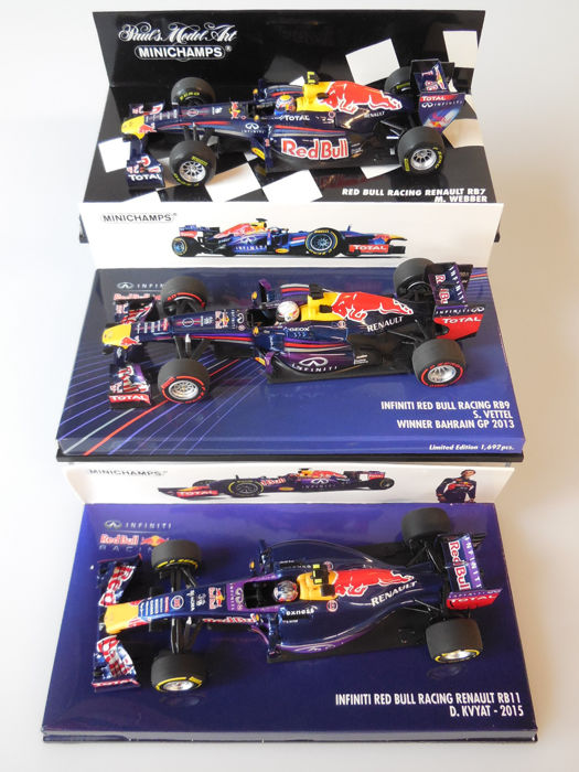 Minichamps - Scale 1/43 - Lot with 3 x Red Bull Racing Renault (2011, 2013 & 2015)
