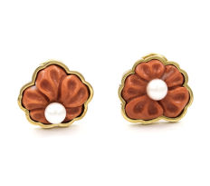 Yellow gold, 18 kt – Earrings – Coral – Pearl – Earring diameter: 17.40 mm