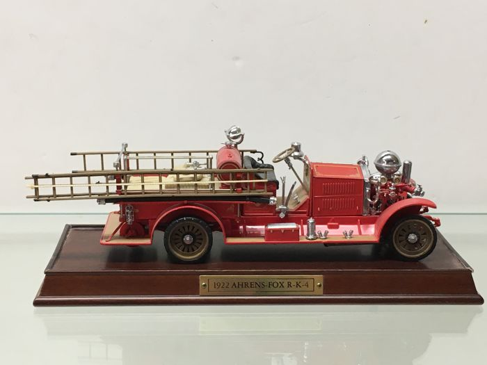 Franklin Mint - Schaal 1/32 - Fire Engine - 1922 Ahrens Fox R-K-4 Pumper
