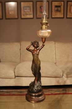 Art Nouveau oil lamp in the form of a sensual lady