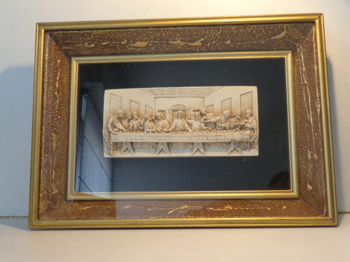 Frame in relief with 3D-plaque of the last supper - behind glass ...