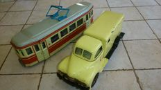 MSB, GDR/Gama, US Zone Germany - L. 22-25 cm - Tin friction Ambulance and Tram, 50s/60s