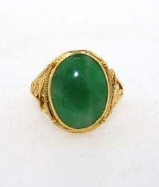 916/22kt yellow gold ladies' ring, chrysoprase - size 55 (EU)