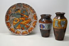 Henk Potters - large wall plate (38 cm) and 2 vases