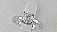 1.03 ct  round diamond ring made of 14 kt white gold - size 6,5