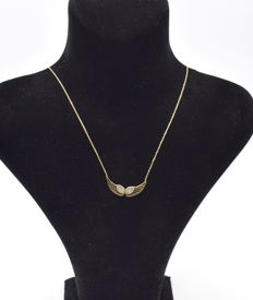 14 carat yellow gold necklace  with Wing pendant  43 cm