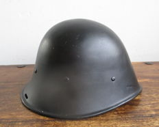 Dutch steel helmet with leather inside