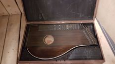 Nice Concert zither in case