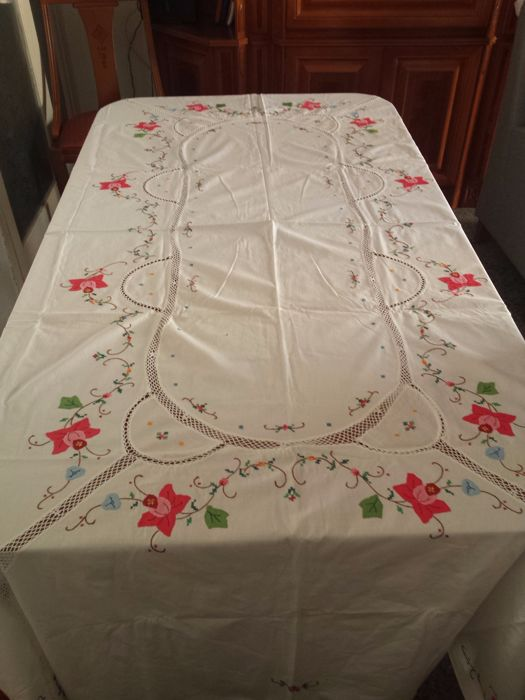 White Cotton Tablecloth   Cross Stitch