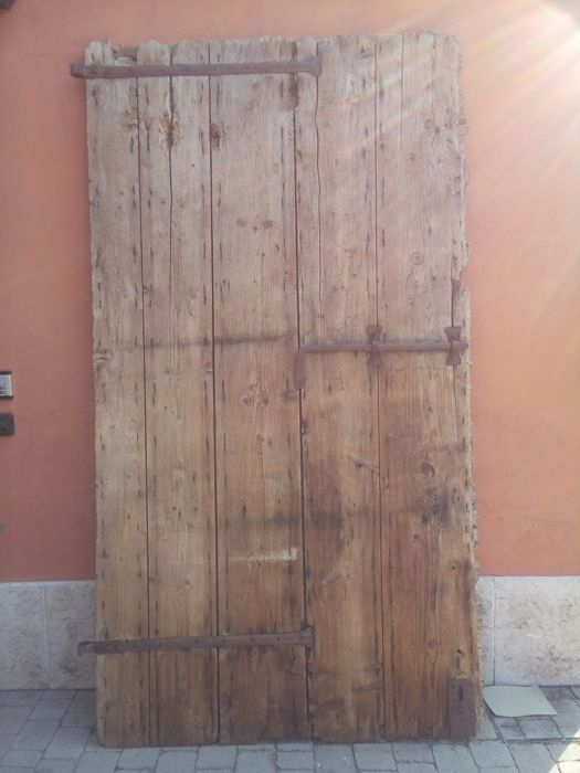 Big antique fir door made in the 17th century - Veneto, Italy
