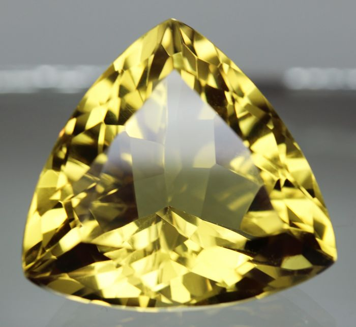 Lemon Quartz – 84.61 ct