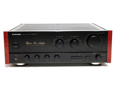 Pioneer A-656 Mark II Reference Stereo amplifier in good luxury condition with wooden side panels.