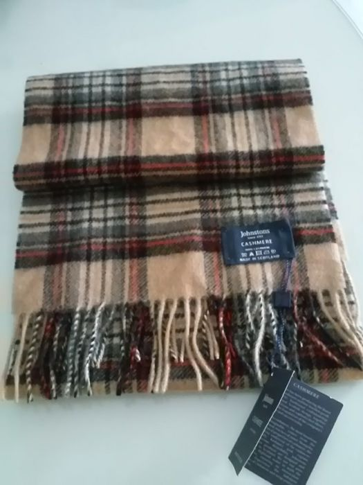 Johnstons cashmere - men's stoles