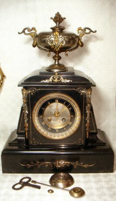 Very heavy marble and bronze massive museum pendulum clock - around 1850 - Napoleon III - rare model, signed Bernard Lyon a Paris