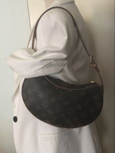 Louis Vuitton - Croissant bag Válltáska