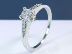 0.43 Ct modern solitaire diamond ring - Size 50 -  NO Reserve!