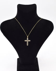 14 carat yellow gold necklace  with Cross pendant  43 cm