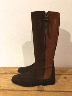 Hogan by Tod´s – suede boots