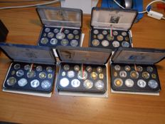 Italy, Republic - Divisional series in proof 1991-1995 (five series including silver)