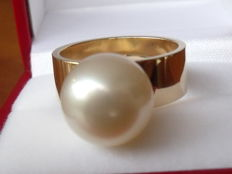14 kt gold ring with 11.8 mm South Sea pearl size US 8 - NL 17 weight