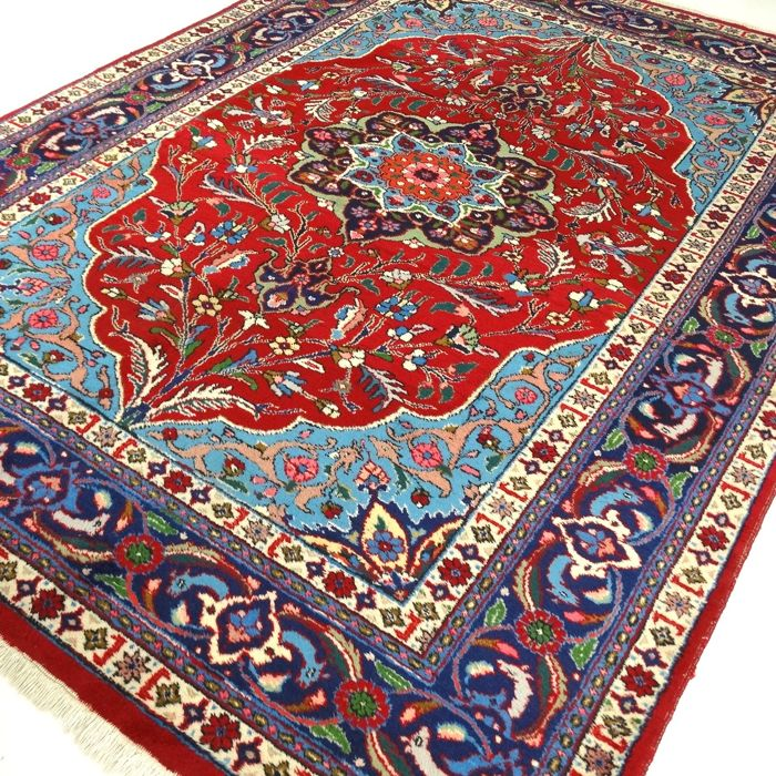 """Tabriz - 304 x 204 cm. - """"Large Persian carpet in clear colours - In beautiful used condition"""" - With certificate."""