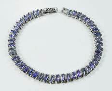 925 Sterling silver bracelet with Tanzanites.-  Length: 19.0 cm