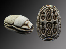 Egyptian steatite scarab with hieroglyphs of Nefer and knot signs - 20 mm