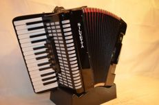 Silvetta Stage Accordion