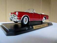 Road Signature - Scale 1/18 - Packard Caribbean 1953 - Red