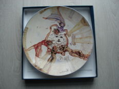 "Salvador Dali Porcelain Plate ""La danse des jeunes-filles en fleurs"" (The Dance of Young Girls in Bloom) - Numbered 739/2000 with original box"