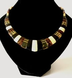 Collar necklace of natural Baltic Amber (not pressed), colourful, length 50 cm - no reserve