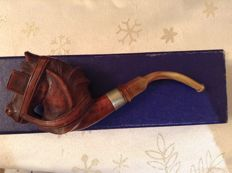 Carved wooden pipe shaped like a horse head - France, ca. 1900