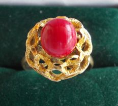 Spanish 18ct yellow gold and Coral ring - 18mm