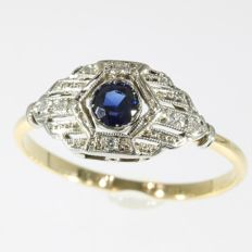 Art Deco diamond and sapphire engagement ring - free resizing - circa 1920