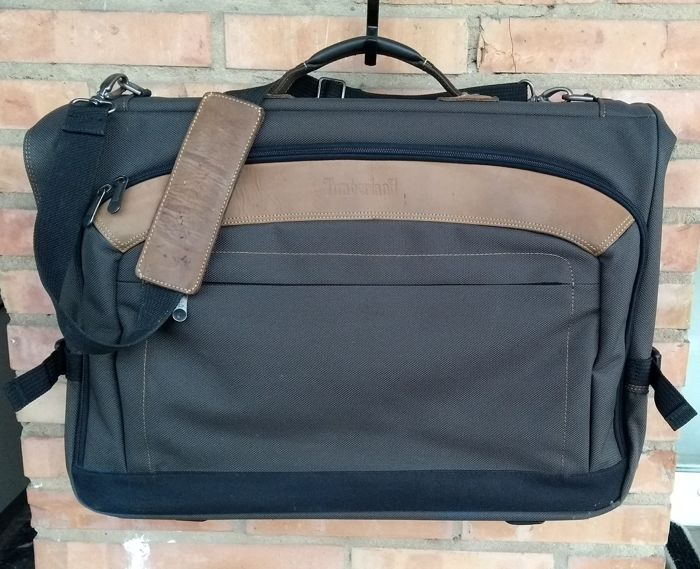 Timberland -- Travel Garment Bag