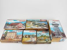 Vollmer H0  - 5707/5716/3658/5610/5744/5745 - Lot with six unbuilt buildings