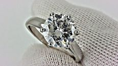 IGL 2.11 ct round diamond ring made of 14 kt white gold *** NO RESERVE PRICE ***