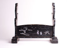 Katana kake (sword stand) for three swords - with mother of pearl inlay - Japan - Early 20th century