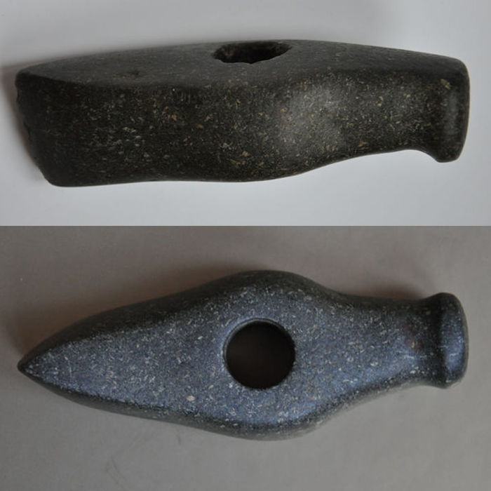 Battle Axe with drilled shaft-hole / Graffiti - 15,5 cm