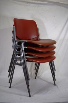 Designed by Giancarlo Piretti for Castelli – 4 'DSC 106' chairs